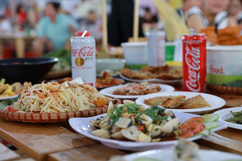 """Coca-Cola và món ăn là """"Combo chuẩn chỉnh""""."""