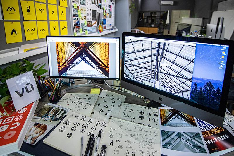 Không gian làm việc sáng tạo của nhà thiết kế tại Vũ Digital
